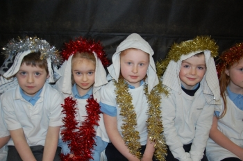 1st2nd Class Play December 2014 013.JPG