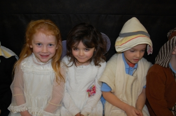 1st2nd Class Play December 2014 016.JPG