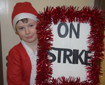 20161219-Santa's on Strike Dec 2016 001-2.jpg